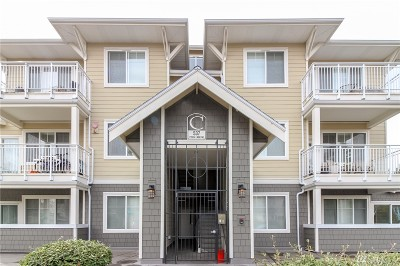 Sammamish Condo/Townhouse For Sale: 537 225th Lane NE #C305