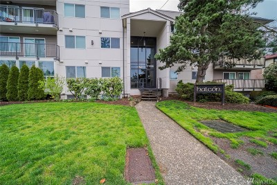 Seattle Condo/Townhouse For Sale: 11556 Greenwood Ave N #102