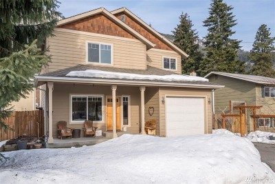 Chelan County Single Family Home For Sale: 221 Cherry St