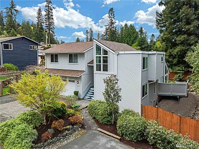 Edmonds Single Family Home For Sale: 9210 Olympic View Dr
