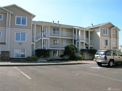 Grays Harbor County Condo/Townhouse For Sale: 1600 W Ocean Ave #114