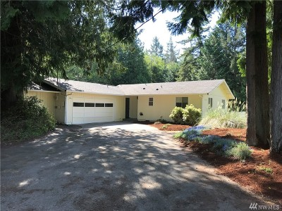 Olympia Single Family Home For Sale: 9902 Lookout Dr NW