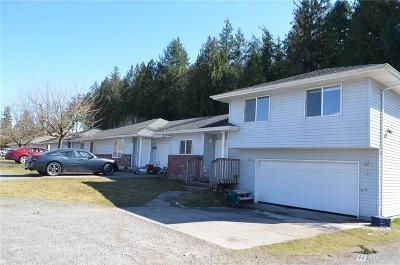 Blaine Multi Family Home Pending Inspection: 1577 D St #C