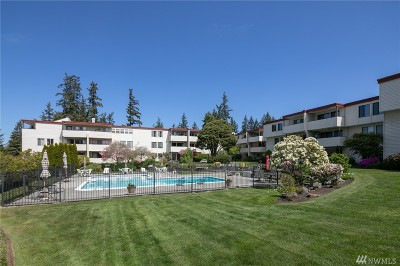 Edmonds Condo/Townhouse For Sale: 8516 196th St SW #204