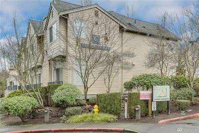 Kirkland Condo/Townhouse For Sale: 9201 122nd Ct NE #G147