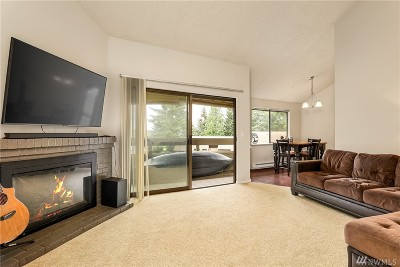 Kirkland Condo/Townhouse For Sale: 12723 NE 116th St #G304