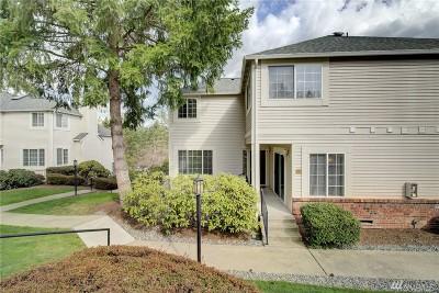 Redmond Single Family Home For Sale: 10909 Avondale Rd NE #C111