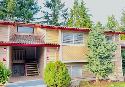 Renton Condo/Townhouse For Sale: 17515 149th Ave SE #E10