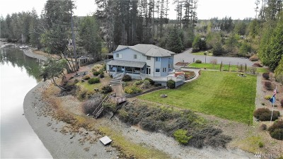 Allyn Single Family Home For Sale: 5550 E Grapeview Loop Rd