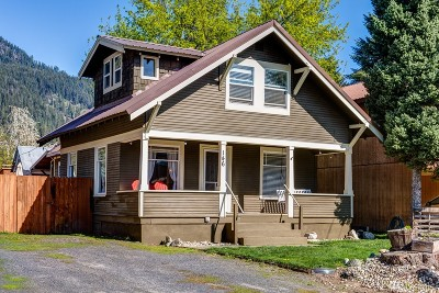 Leavenworth Single Family Home For Sale: 146 W Whitman St