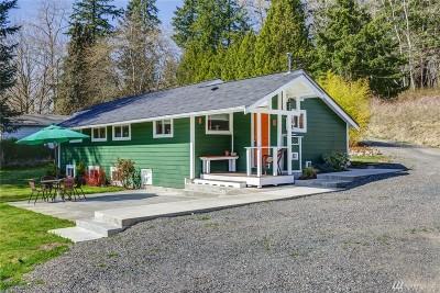 Blaine Single Family Home Pending Inspection: 4217 Boblett St