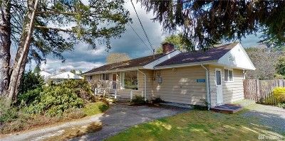 Burlington Single Family Home Pending Inspection: 12131 Chinook