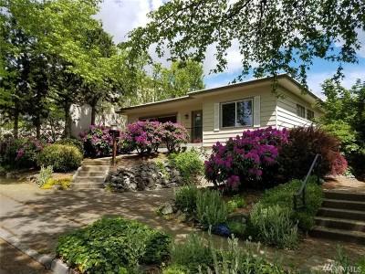 Kirkland Single Family Home For Sale: 916 Market St