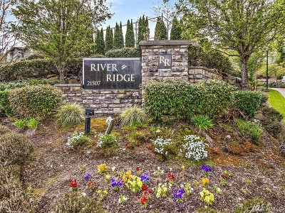 SeaTac Condo/Townhouse For Sale: 21507 42nd Ave S #M1