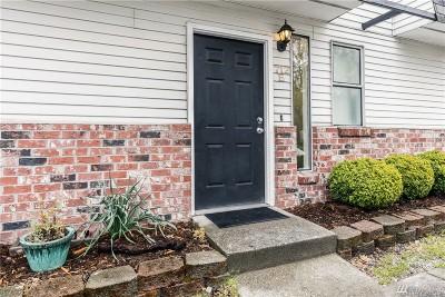 Auburn Condo/Townhouse For Sale: 712 10th St NE #E