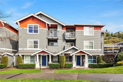 Issaquah Condo/Townhouse For Sale: 1672 25th Place NE #303