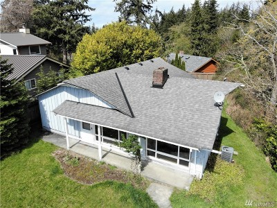 Bellingham Single Family Home For Sale: 105 Viewcrest Rd