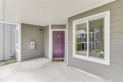 Bothell Condo/Townhouse For Sale: 3908 243rd Place SE #Q103