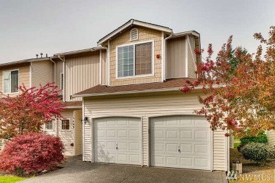 Renton Single Family Home For Sale: 3200 12th #1042