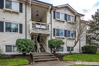 Everett Condo/Townhouse For Sale: 12404 E Gibson #P-205