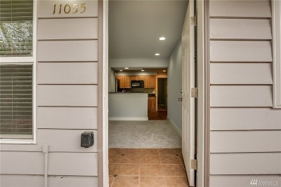 Condo/Townhouse For Sale: 11055 Greenwood Ave N #1
