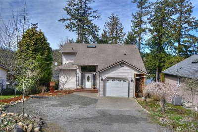 Yelm Single Family Home Pending: 21949 Promontory Ct SE