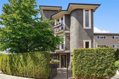Seattle Condo/Townhouse For Sale: 3859 Beach Dr SW #3