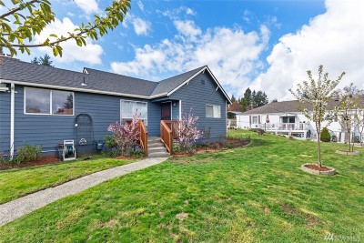 SeaTac Single Family Home For Sale: 4324 S 171st St