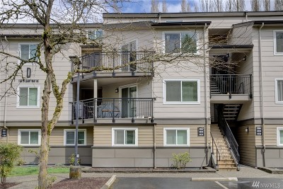 Redmond Condo/Townhouse For Sale: 15819 NE Leary Wy #D303