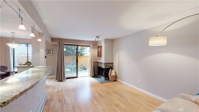 Burien Condo/Townhouse For Sale: 300 SW 155th St #103