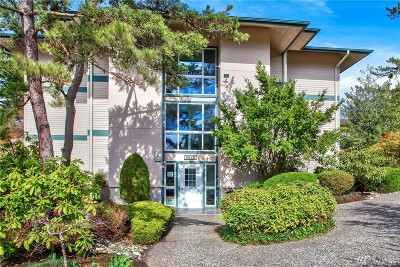 Lynnwood Condo/Townhouse For Sale: 5620 200th St SW #A207
