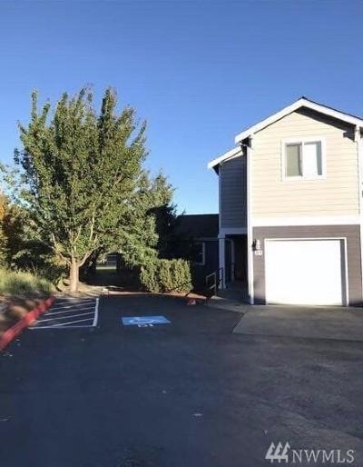 Arlington Condo/Townhouse For Sale: 7805 Jensen Farm Lane #D1
