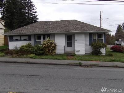 Everett Single Family Home For Sale: 829 Pecks Dr