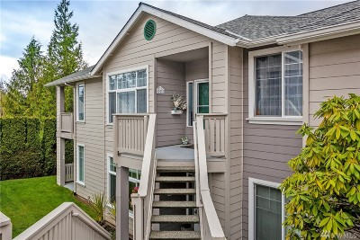 Lynnwood Condo/Townhouse For Sale: 16714 Cobblestone Dr #201