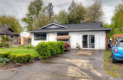 Pierce County Single Family Home For Sale: 530 Rosewood Ct S