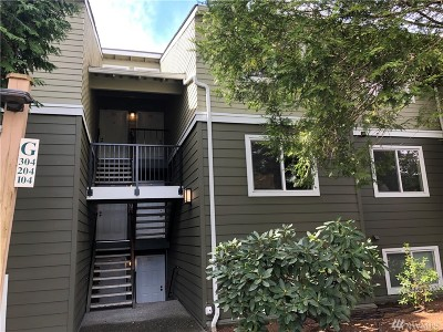 Everett Condo/Townhouse For Sale: 820 E Cady Rd #G-204