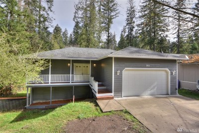 Rainier Single Family Home Pending Inspection: 13806 166th Ave SE