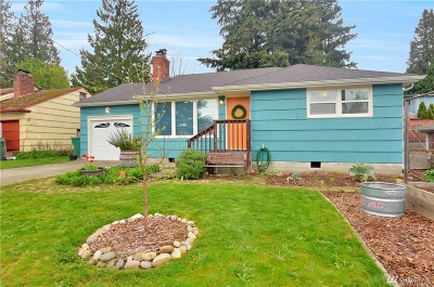 Seattle Single Family Home For Sale: 13716 35th Ave NE