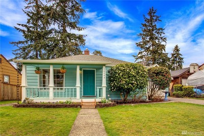 Seattle Single Family Home For Sale: 14045 23rd Place NE