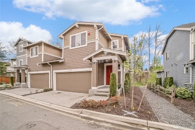 Lynnwood Condo/Townhouse For Sale: 19713 27th Place W #B