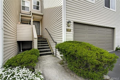 Renton Condo/Townhouse For Sale: 4808 NE Sunset Blvd #H104