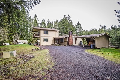 Allyn Single Family Home For Sale: 6213 E Grapeview Loop Rd