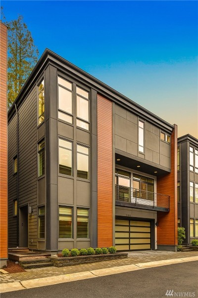 Kirkland Condo/Townhouse For Sale: 720 3rd Ct S