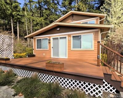 Shelton Single Family Home For Sale: 111 E Driftwood Cir
