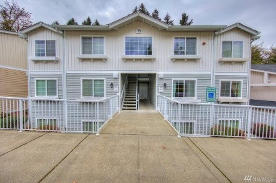 Renton Condo/Townhouse For Sale: 715 Harrington Place SE #2140