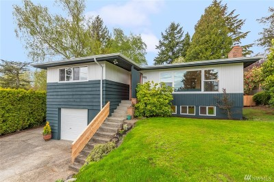 Seattle Single Family Home For Sale: 2820 SW 110th Place