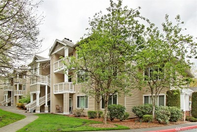 Bothell Condo/Townhouse For Sale: 15300 112th Ave NE #A104