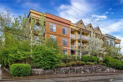 Bellingham Condo/Townhouse For Sale: 910 Gladstone St #301