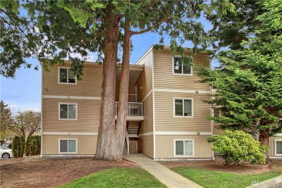 Kirkland Condo/Townhouse For Sale: 12450 NE 130th Ct #F305