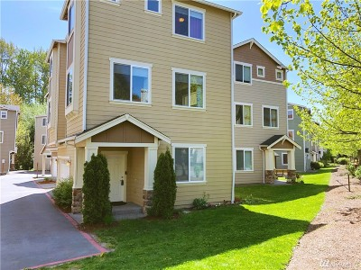 Everett Condo/Townhouse For Sale: 9908 1st Place W #24
